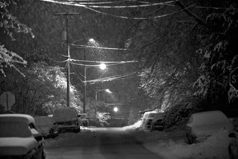 storm of doom starts, night of February five, 2010. This is a view looking east down Woolen Mills Road.