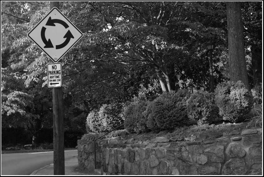 MUTCD roundabout