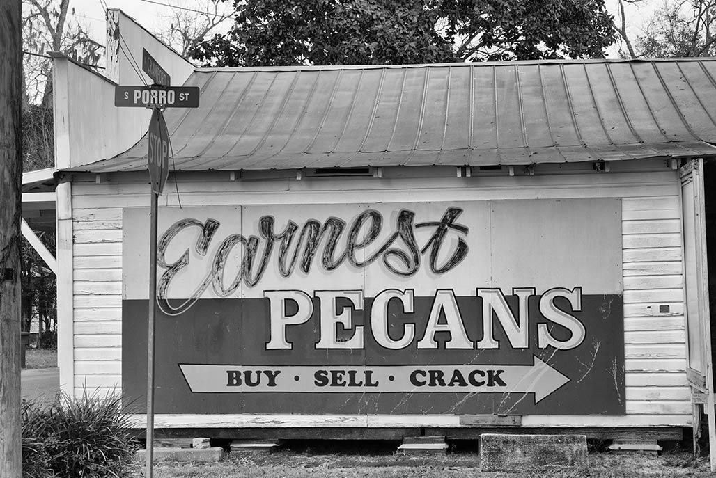 pecans sign