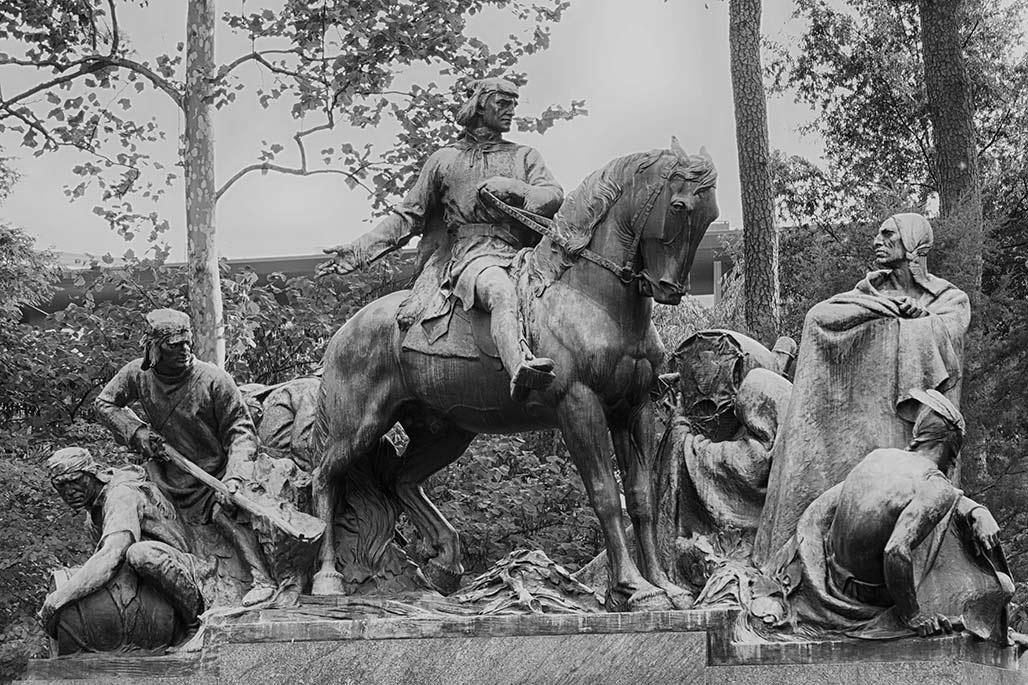 Clark and Co statue by Robert Ingersoll Aitken